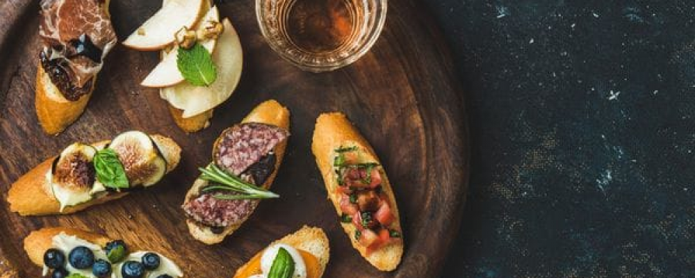 5 «picadas gourmet» para celebrar junto a los amigos en casa.